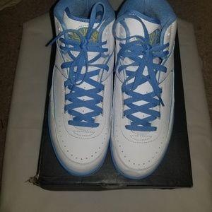 Retro Jordan 2s
